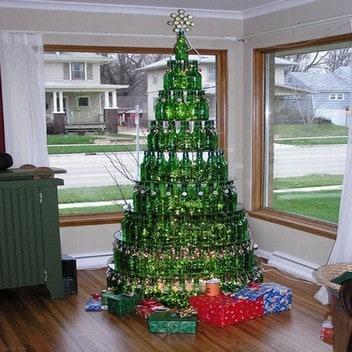 Christmas Business Decorations.Bizarre But Clever Christmas Decorations