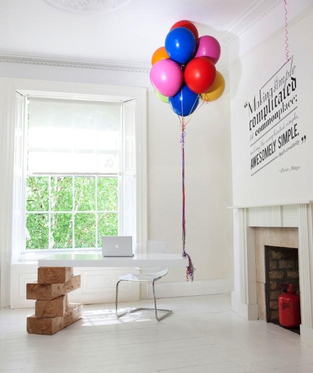 Balloon Desk