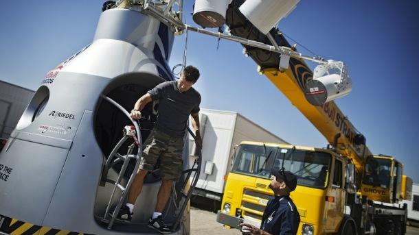 Red Bull Stratos Felix Baumgartner Mission Delay