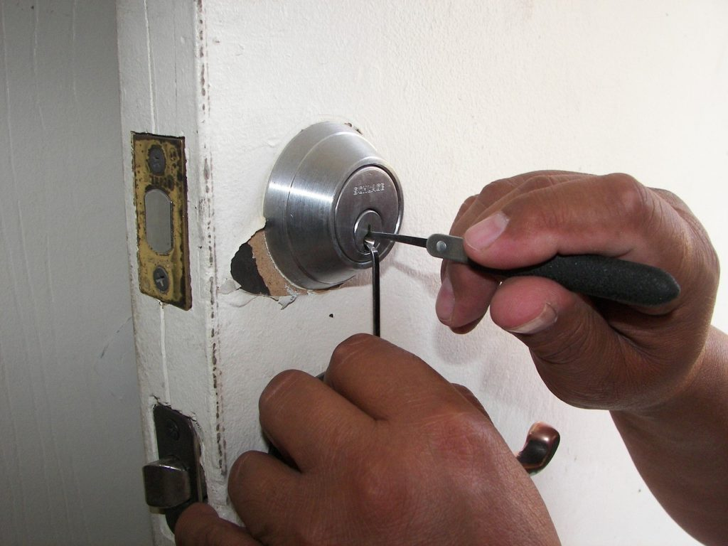 Locksmithing: A Great Way for Florida Retirees to Be Their Own Boss –  Business Ideas