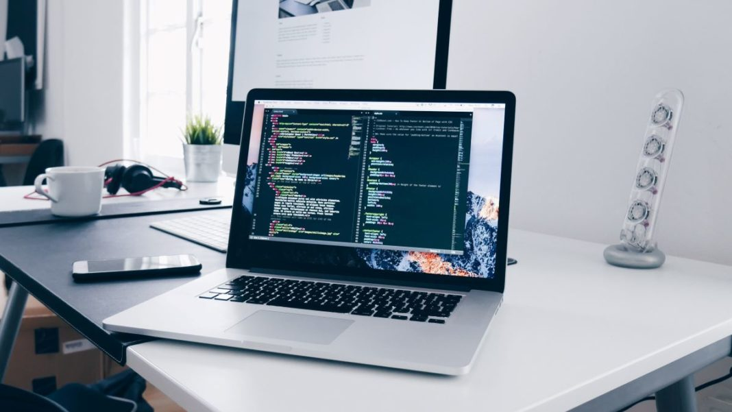 develop a website - featured image